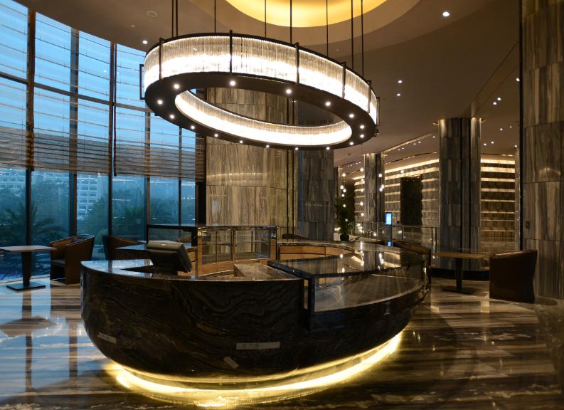 hotel restaurant lighting